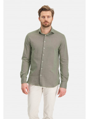 Plain-shirt-with-a-cut-away-collar---leafgreen-plain