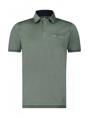 Polo-with-a-woven-collar
