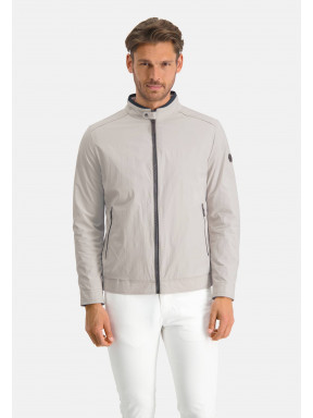 Short-jacket-with-stretch