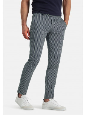Chino-with-a-modern-fit