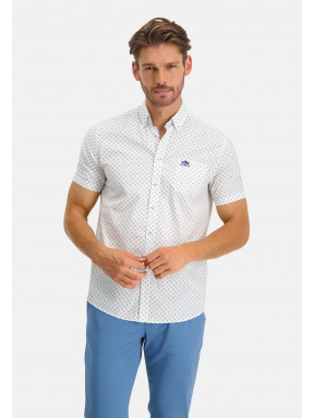 Shirt-with-short-sleeves-and-regular-fit