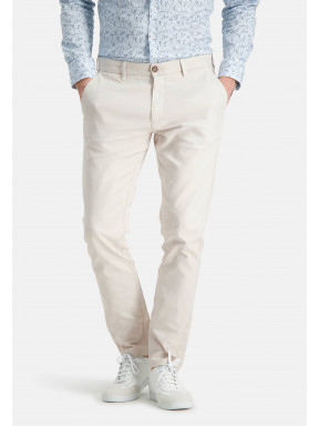 Stretch-chinos-made-of-a-linen-blend