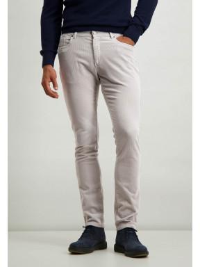 Pantalon-stretch-en-velours-côtelé-en-coton---gris-argenté-monochrome