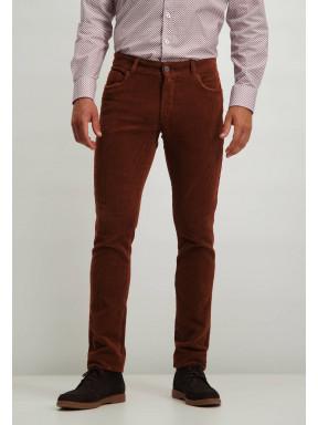 Pantalon-stretch-en-velours-côtelé-irrégulier---brique-uni