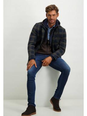Halflange-jas-met-ruitpatroon-en-modern-fit---donkerblauw/sepia