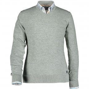Pullover-reguar-fit-with-V-neck