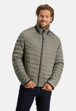 Manteau-matelassée-en-nylon
