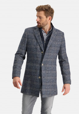 Manteau-à-carreaux-coupe-moderne