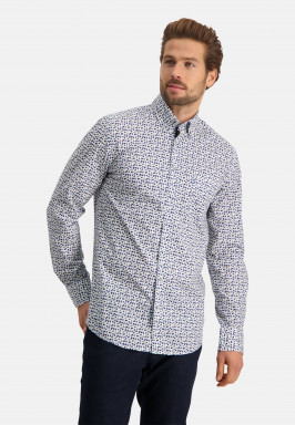 Shirt-with-a-chest-pocket-and-print