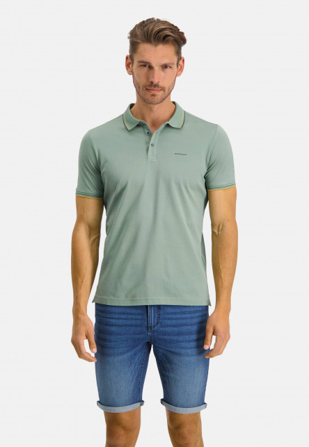 Polo-with-regular-fit-and-brandlogo---leafgreen-plain