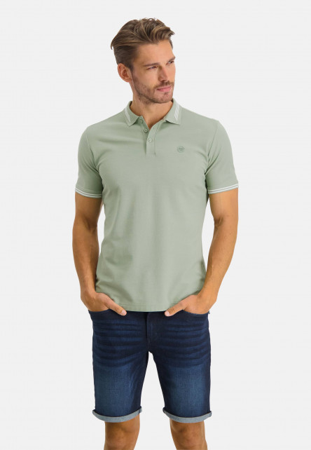 Polo-with-regular-fit-and-chest-logo---leafgreen-plain