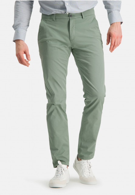 Chino-of-stretch-cotton---leafgreen-plain
