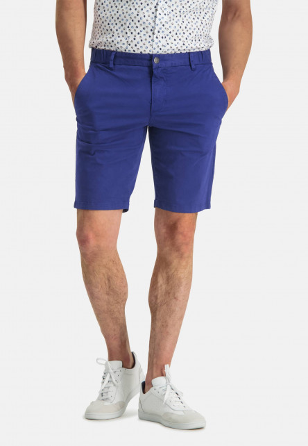 Shorts-in-a-chino-look---cobalt-plain