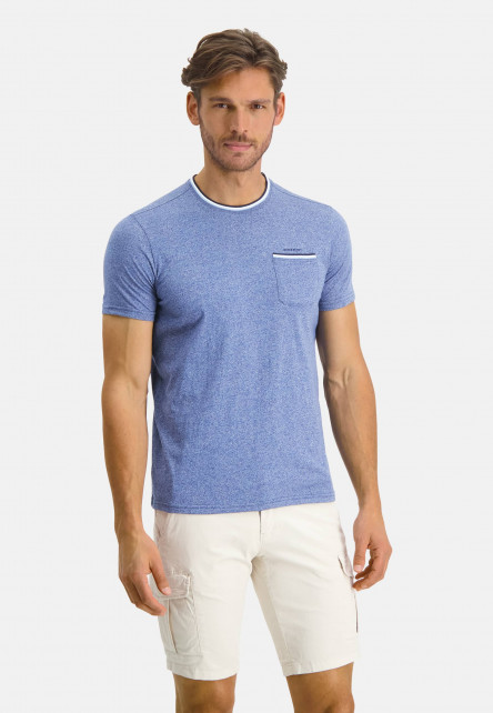 T-shirt-with-crew-neck-an-chest-pocket