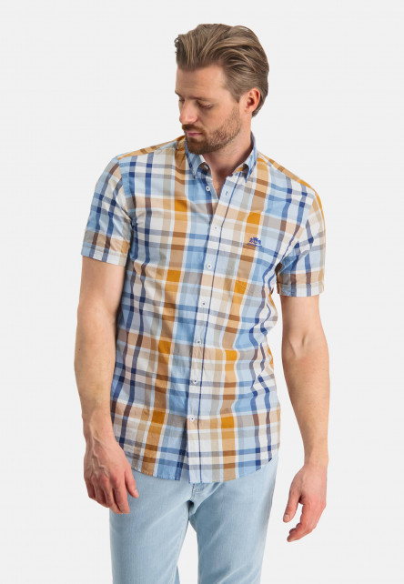 Checked-shirt-with-short-sleeve