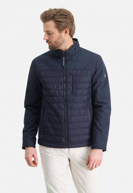 Short-jacket-with-a-high-collar