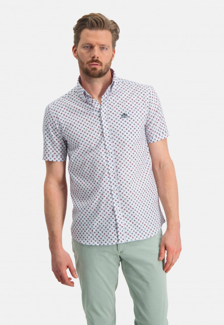 Shirt-with-short-sleeve-and-a-print