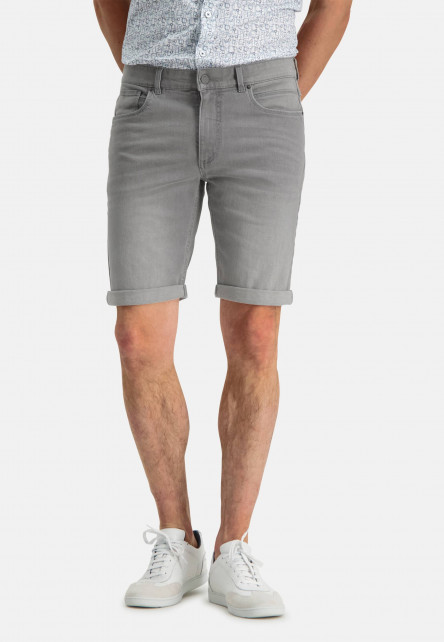 Denim-shorts-made-of-cotton-stretch