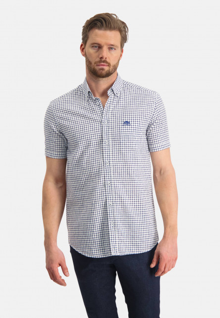 Checked-shirt-of-a-linen-blend