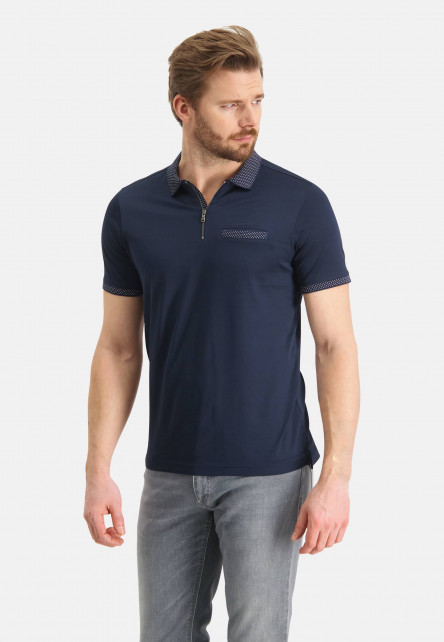 Polo-with-zipper-closure-and-paspel-pocket