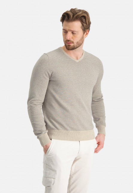 Jacquard-jumper-with-V-neck