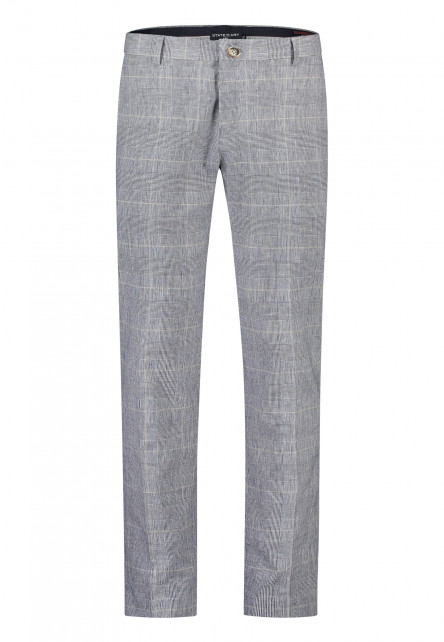Chino-with-modern-fit-of-stretch-linen