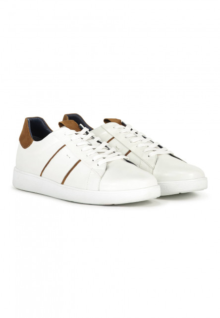 Trainer-with-lace-fastening