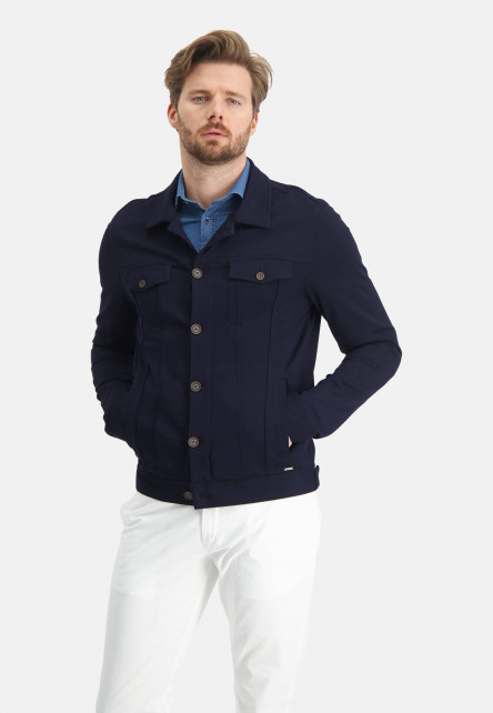 Short-jacket-with-a-regular-fit