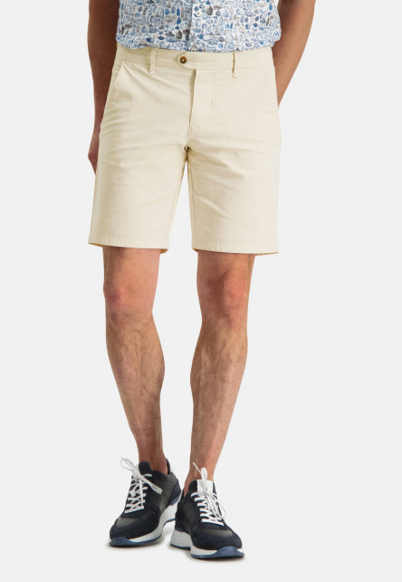Short-van-katoen-met-stretch