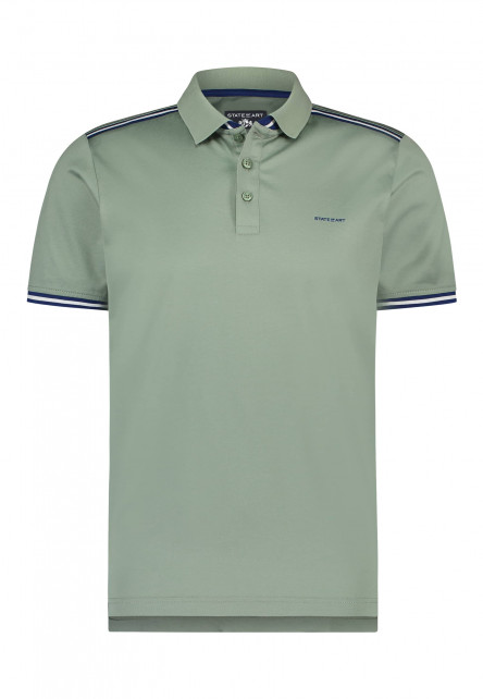 Polo-with-a-striped-detail-on-shoulder