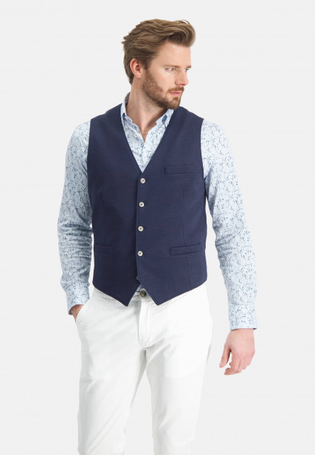 Gilet-with-button-closure
