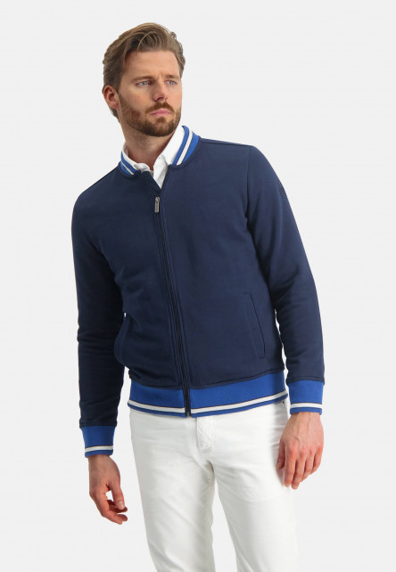 Cardigan-sweat-with-zipper-closure