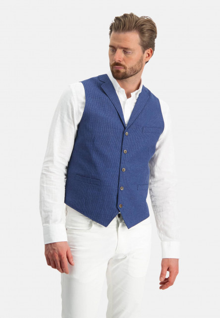 Gilet-with-a-lapel-collar