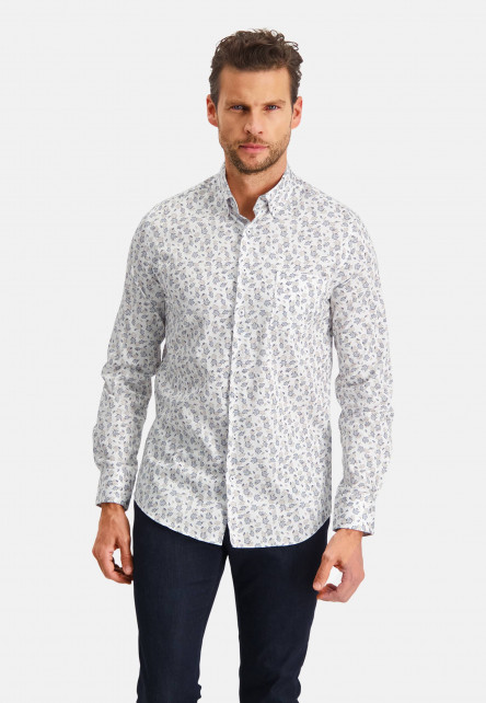 Modern-Classics-shirt-with-a-chest-pocket