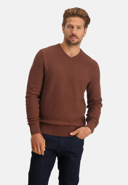Pullover-mouliné-with-V-neck