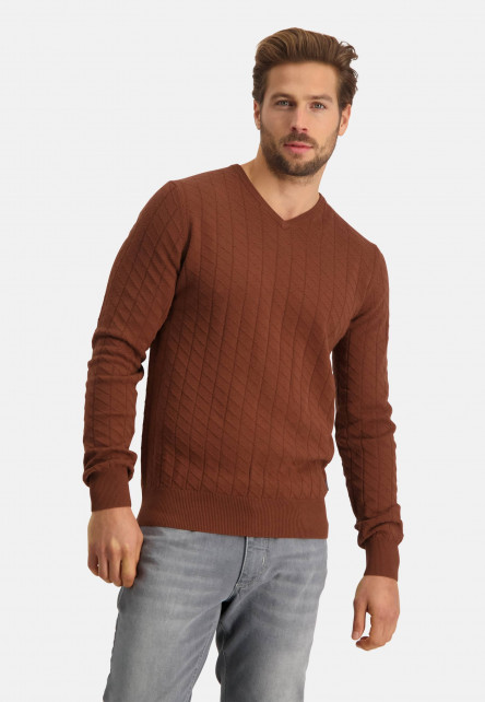 Pullover-with-V-neck-made-of-cotton