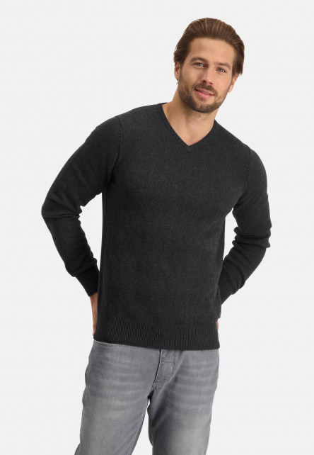Pullover-V-Neck-with-coarse-knit