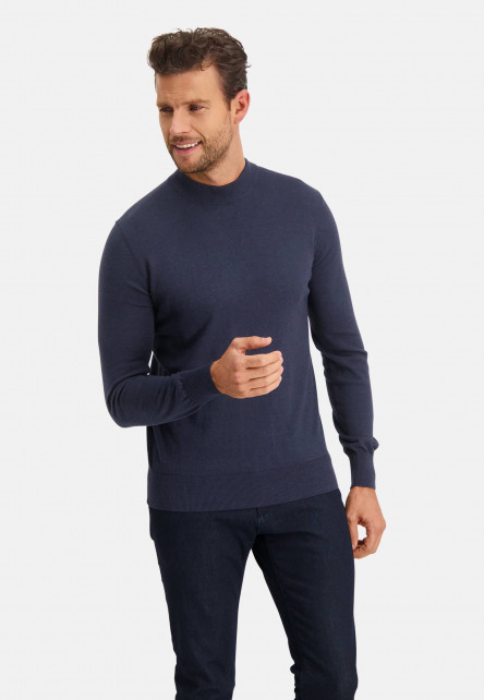 Modern-Classics-pullover-with-turtle-neck