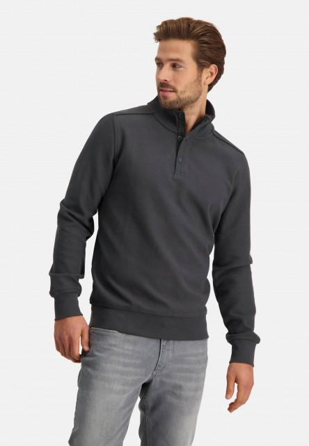 Sweatshirt-with-a-sportzip