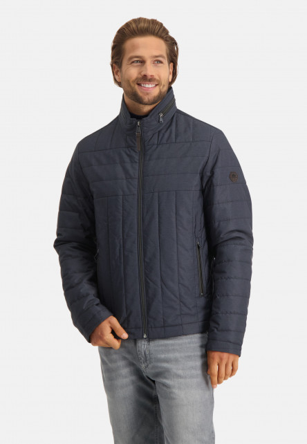 Quilted-jacket-with-zipper-closure