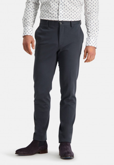 Silverstone-chino-with-modern-fit