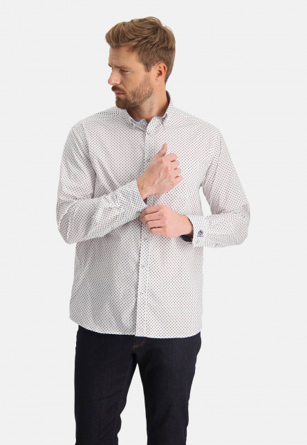 Printed-shirt-with-a-regular-fit