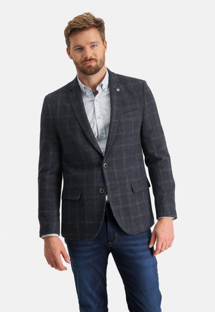 Checked-blazer-with-a-modern-fit