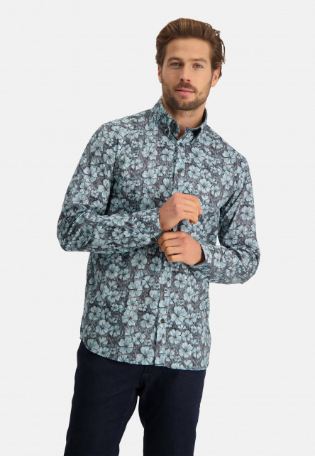 Printed-shirt-without-a-breastpocket