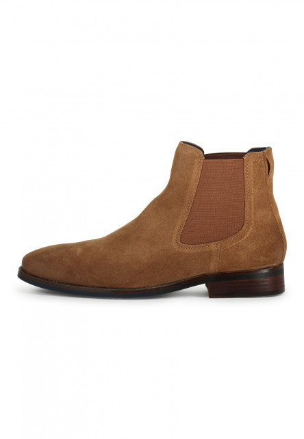 Boat-shoe-made-of-suede