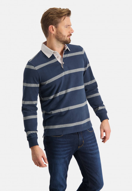 Rugbyshirt-with-stripes