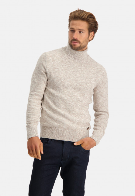 Cotton-pullover-with-turtle-neck