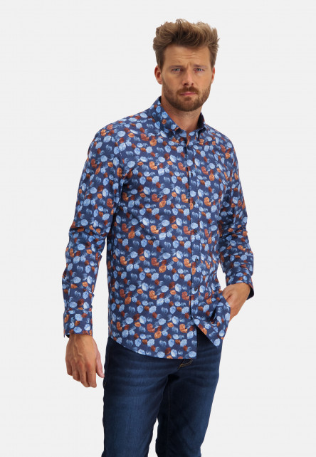 Button-down-shirt-with-print