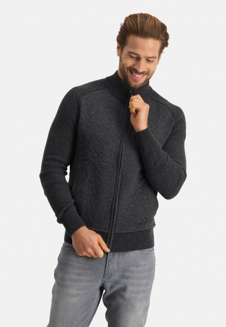 Cardigan-Plain-from-quilted-wool