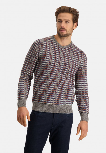 Pullover-jacquard-with-V-neck
